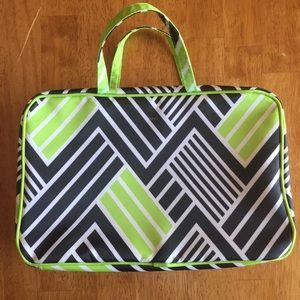 Makeup bag/cosmetic case